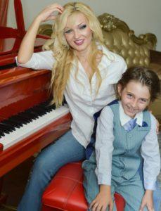 Oksana Kolesnikova with son