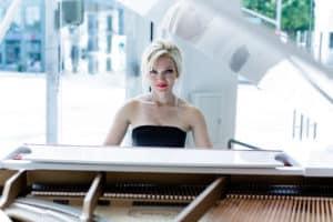 Oksana plays Beethoven